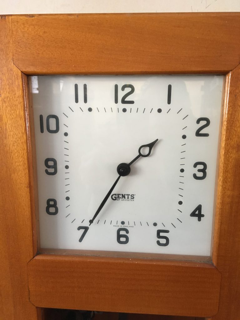 Pulsynetic Master clock dial